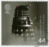 大英国- 1999年:在通过1000年期间,从Who医生电视系列节目,系列英国成就的展示Dalek 免版税库存图片