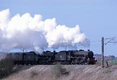 大英国VI离开Carnforth的蒸汽railtour 免版税库存照片