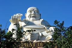 大菩萨雕象在市头顿 越南 免版税库存图片