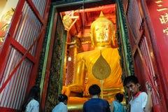 大菩萨雕象在Ayuthaya 免版税图库摄影