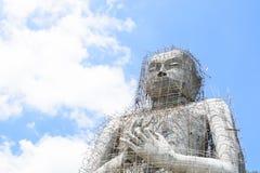 大菩萨雕象的建筑 库存图片