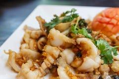 大蒜乌贼 海鲜在泰国餐馆 库存照片