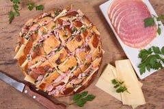 大蒜和乳酪面包 库存图片
