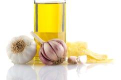 大蒜和橄榄油 免版税库存图片