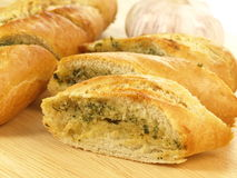 大蒜和草本面包,特写镜头 库存图片