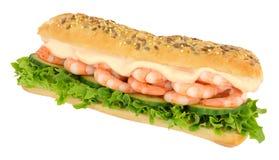 大虾和沙拉三明治潜水艇卷 免版税库存照片