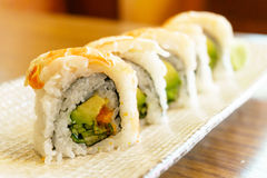 大虾寿司卷 免版税库存照片