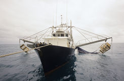 大虾渔拖网渔船卡奔塔利亚湾澳大利亚 库存图片