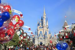 大街和灰姑娘城堡在不可思议的王国,佛罗里达 图库摄影