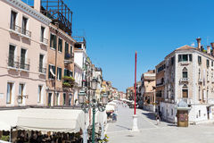 大街在威尼斯,意大利 免版税库存图片