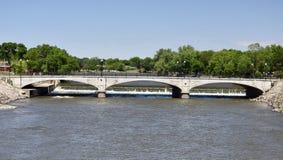 大街桥梁 免版税库存照片