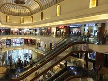 大街菲尼斯购物中心在孟买,印度 免版税库存照片