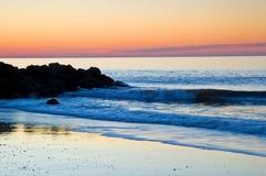大西洋五颜六色的日出 库存照片