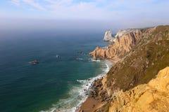 大西洋海岸,从海角罗卡,葡萄牙的看法 免版税库存照片