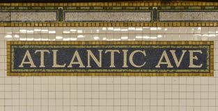 大西洋大道地铁标志,布鲁克林,纽约 库存照片