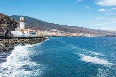 大西洋海岸的城市坎德拉里亚角 免版税库存照片