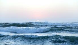 大西洋的大波浪 免版税库存照片