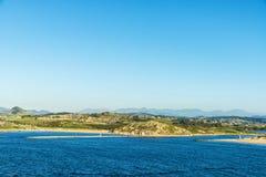 大西洋,西班牙的岩石海岸 免版税库存照片