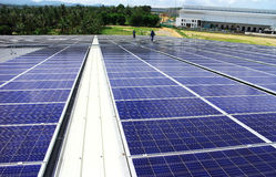 大规模屋顶太阳PV系统 免版税图库摄影