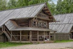 大诺夫哥罗德,俄罗斯- 23 05 2015年:在nort的典型的农舍 免版税图库摄影