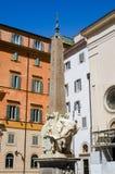大象和方尖碑在广场德拉智慧女神,罗马 免版税图库摄影