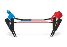 大象和驴被拉扯的美国国旗 民主党和共和国 免版税图库摄影