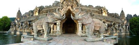 大象寺庙 库存图片