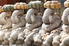 大象小的雕象 库存照片