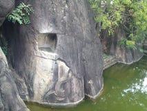 大象带状装饰在岩石Isurumuniya寺庙,阿努拉德普勒雕刻了 免版税库存图片