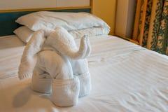 大象毛巾Origami艺术 免版税库存图片