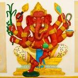 大象神ramayana红色雕象 库存图片