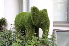 大象草雕塑 免版税库存图片