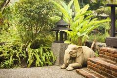 大象雕塑  免版税库存照片