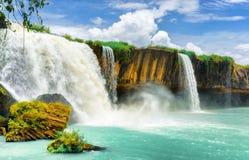 大车Nur瀑布,越南的得乐省Daklak 库存图片
