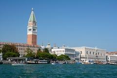大运河和Campanile di圣Marco在威尼斯,意大利耸立 免版税库存图片