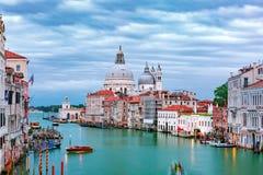 大运河在晚上在威尼斯,意大利 免版税库存图片