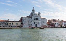 大运河的Le Zitelle教会在威尼斯,意大利 免版税库存照片