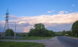 大道在与彩虹的秋天 库存图片