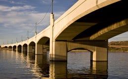大道桥梁磨房坦佩 免版税库存照片