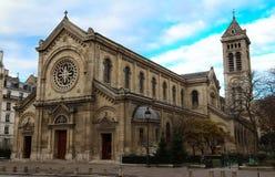 大道的du蒙巴纳斯教会Notre贵妇人des冠军 巴黎 库存图片