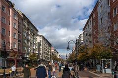 大道的Vitosha走的人在市索非亚,保加利亚 免版税库存图片