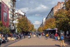 大道的Vitosha走的人在市索非亚,保加利亚 免版税图库摄影
