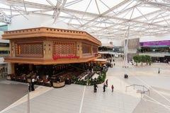 大道购物中心的内部在科威特 免版税库存照片