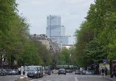 大道Wagram的看法 在大道步行者和汽车ar上 图库摄影