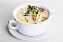 大酱汤用在罐隔绝的鳗鱼 免版税图库摄影