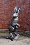 大野兔雕塑 免版税库存图片