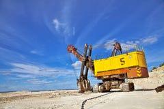大量的挖掘机 免版税库存照片