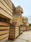 大量空的木箱 库存图片