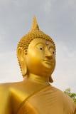 大金黄菩萨雕象的面孔在泰国Phichit,泰国 库存照片