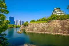 大阪城堡和地平线 免版税库存图片